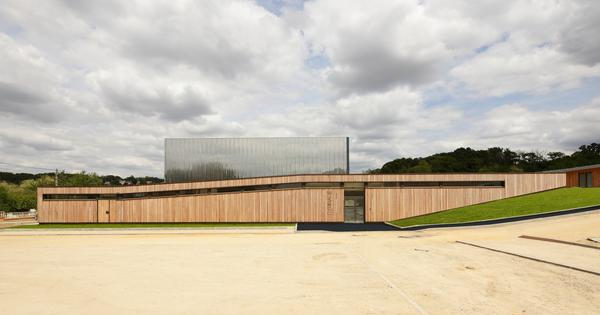 Szkoła pod Paryżem  Architekturamurator
