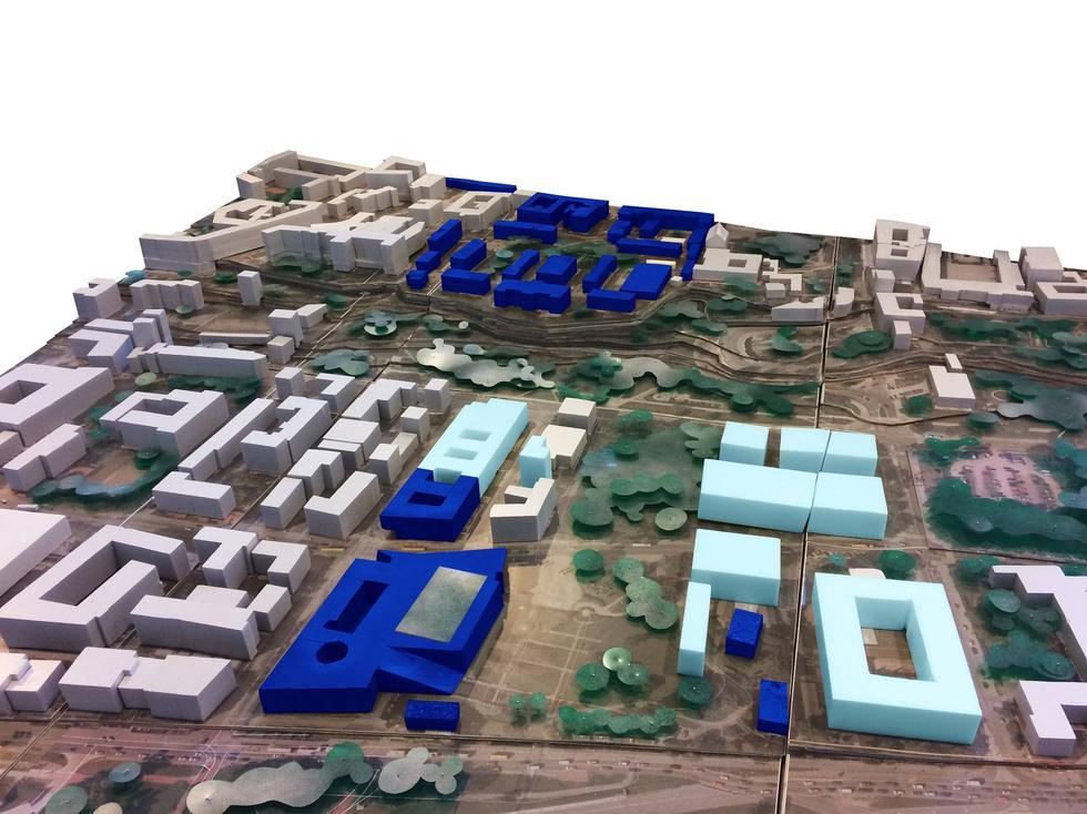 """""""Innowacje w przestrzeni kampusów akademickich"""" - debata na UW"""